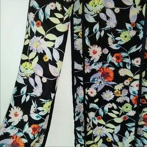Volcom Skirts - EUC Volcom Floral Split Seam Skirt